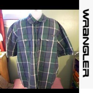 Size XL Wrangler plaid button up shirt